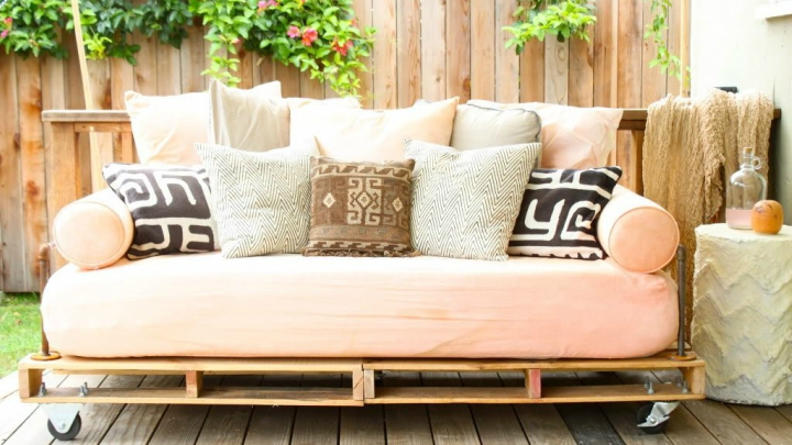 pallets into the decoration